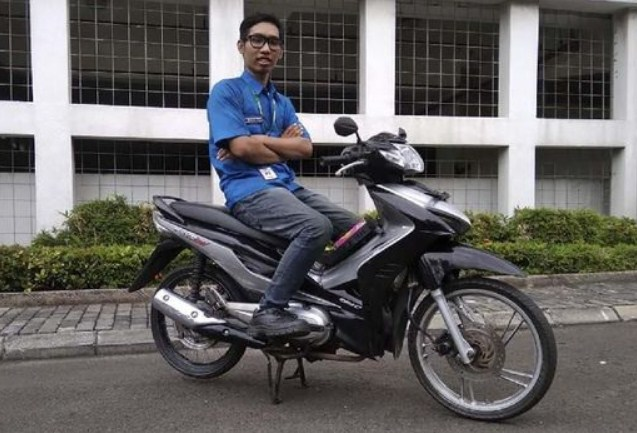 Motor Hybrid gas bensin listrik