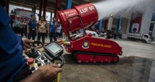 robot pemadam kebakaran jakarta